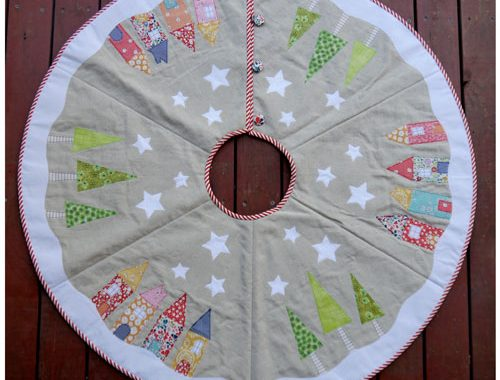 Yuletide Tree Skirt Sew Hot